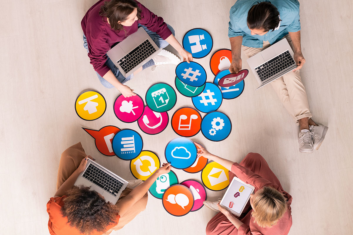 social media outsourcing